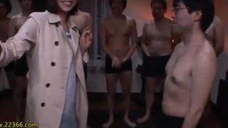 【藤崎エリナ】100人斬り!挿入回数、絶頂回数、発射回数、ザーメンの量、すべてが桁違い!