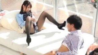 【マジックミラー号】『やべぇ…超興奮する!』女友達の本気オナニーを目の前にフル勃起の男子!
