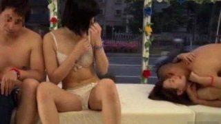 【マジックミラー号】『マジで感じてるし…w』恋人交換とかカオスすぎんだろ!!