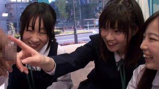 【MM号】修学旅行で東京に来ていたウブ娘達にズル剥けデカチン性教育授業!