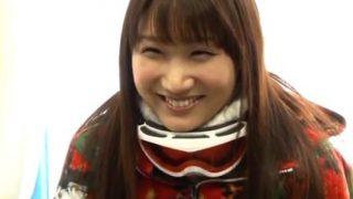 【マジックミラー号】弾ける笑顔のピアノ講師を脱がしてみたら超綺麗な巨乳だった!(舞咲みくに))