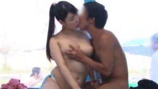 【マジックミラー号】ムチムチ巨乳の水着美女が男友達と'ひと夏の思い出SEX'!(香山美桜)