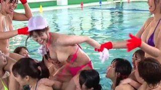 【企画】人気巨乳女優20人がおっぱいポロリしまくりの水泳大会!①