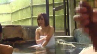 【企画】混浴温泉にいたカップルにギンギンにそそり立った勃起チ●コを見せつけたら…!.