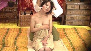 【盗撮】素人若妻をタイ古式マッサージの無料体験と偽りハメちゃいました!