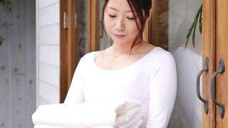 33歳結婚9年目の理想の専業主婦がAVデビュー!【人妻】