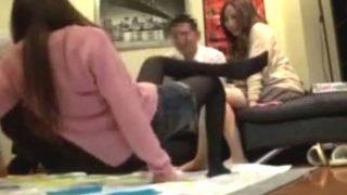 〔盗撮〕『もぅ無理~!』相席屋でGETした美人OLさん達とツイスターゲーム!