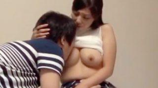 〔企画〕巨乳若妻を童貞男子大学生の住むアパートに2人っきりにしてみた!