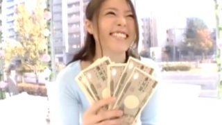 〔MM号〕金に目が眩んだ女子大生は過激な要求にも断りきれない!