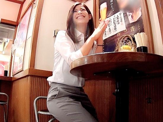 〔素人〕飲み屋で超美人なOLさんをナンパ♥口説き落としてお持ち帰り即SEX❗