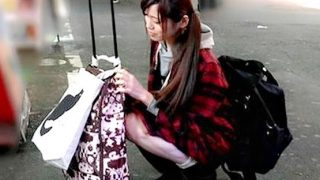 〔素人〕地方からガラガラ引いて東京にやって来た家出娘をナンパ即ハメ!