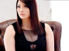 整ったシャープな美形の顔立ちからは想像の出来ない豊満でむっちむちな女体!〔羽海野まお(うみのまお)〕