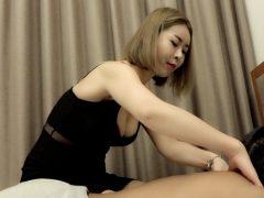 『オニイサン…キモチイイ?』巨乳の韓国嬢に巨根見せつけ強引にハメる!〔企画〕