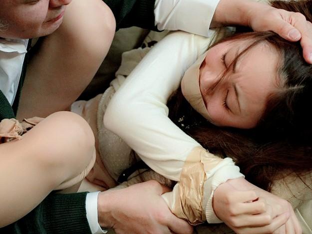子供の家庭教師に欲情した父親がレ●プ‼▼仁美まどか(ひとみまどか)▼