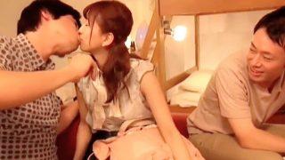 一般男女モニタリングAV!キスするカップルの彼女と右の男友達がこの後セックス!〔企画〕