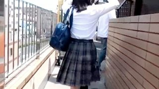 〔素人〕黒人メガチ○ポで女○高生を激ピストン!下校中の高○生カップルを連れ込み彼女をNTR!