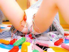 恥ずかしいけど感じちゃう!?凄い数のピンクローターをパンティーの中に投入され悶絶! 〔企画〕