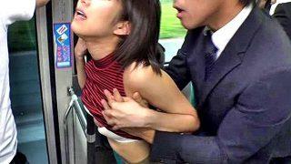 〔湊莉久〕怖いけど気持ちいい…♥路線バスで隣に乗り合わせたギャルをレ○プ❗