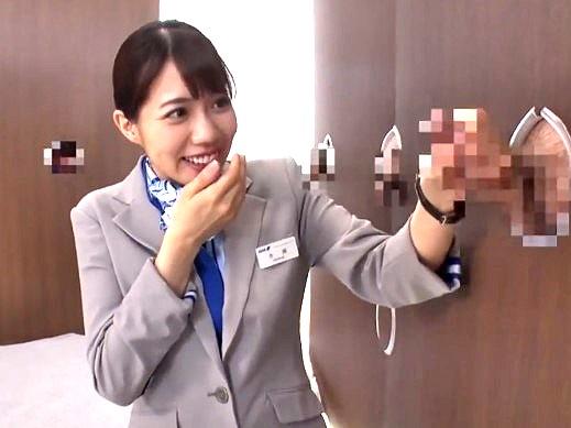 ☆企画☆スッチーが壁から出てるチ●ポを即抜き!!★★南まゆ(みなみまゆ)★★