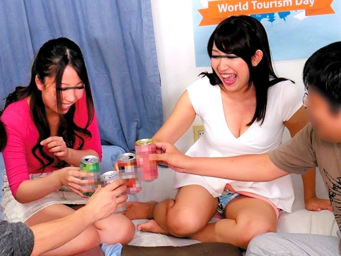 〔企画〕胸チラ&パンチラ当たり前♥巨乳女子大生と宅飲み王様ゲームで盛り上がる❗