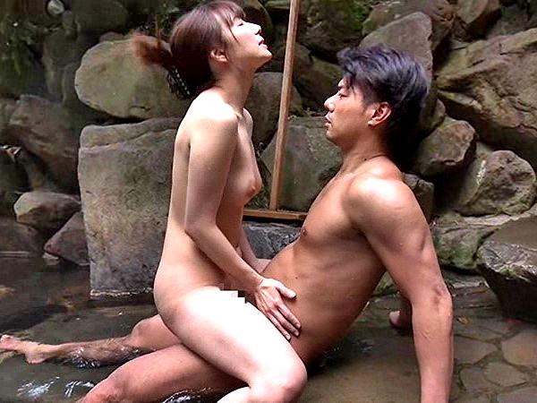 〔ヘンリー塚本〕秘事ーかくしごとー♥混浴露天風呂でハマり合う男と女❗