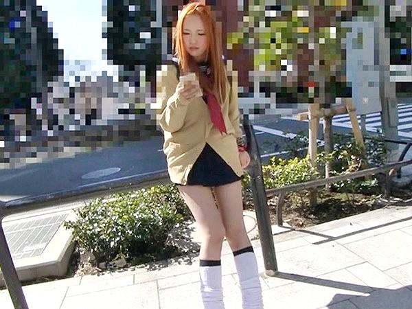▼▼素人▼▼尼崎のド根性ヤンキー娘♥卑猥なパイパンマ○コにおじさんザーメンを中出し‼