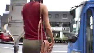 〔湊莉久〕ミニスカ美少女を後をつけてバスで痴漢♥スカートを捲り上げて勃起チ○ポ挿入❗