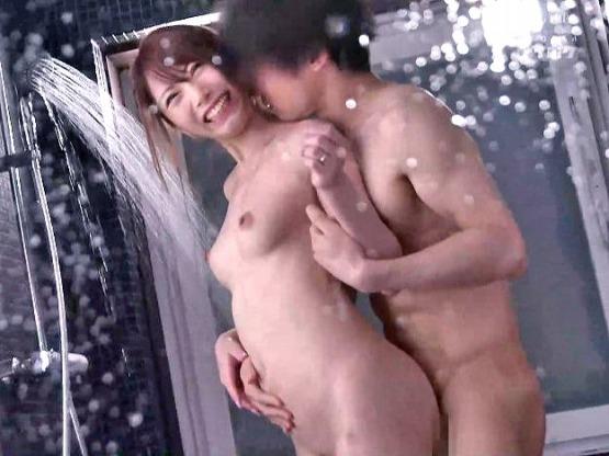 ★無料動画☆後輩の絶倫チンポで膣内射精された美人OL▽▼