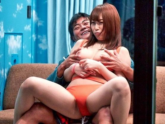 [MM号]素人ナンパ‼『素人娘の大胆SEXをライブで見たいですか❓』巨乳マリンスポーツ美女が見物人のオナネタにされる♥